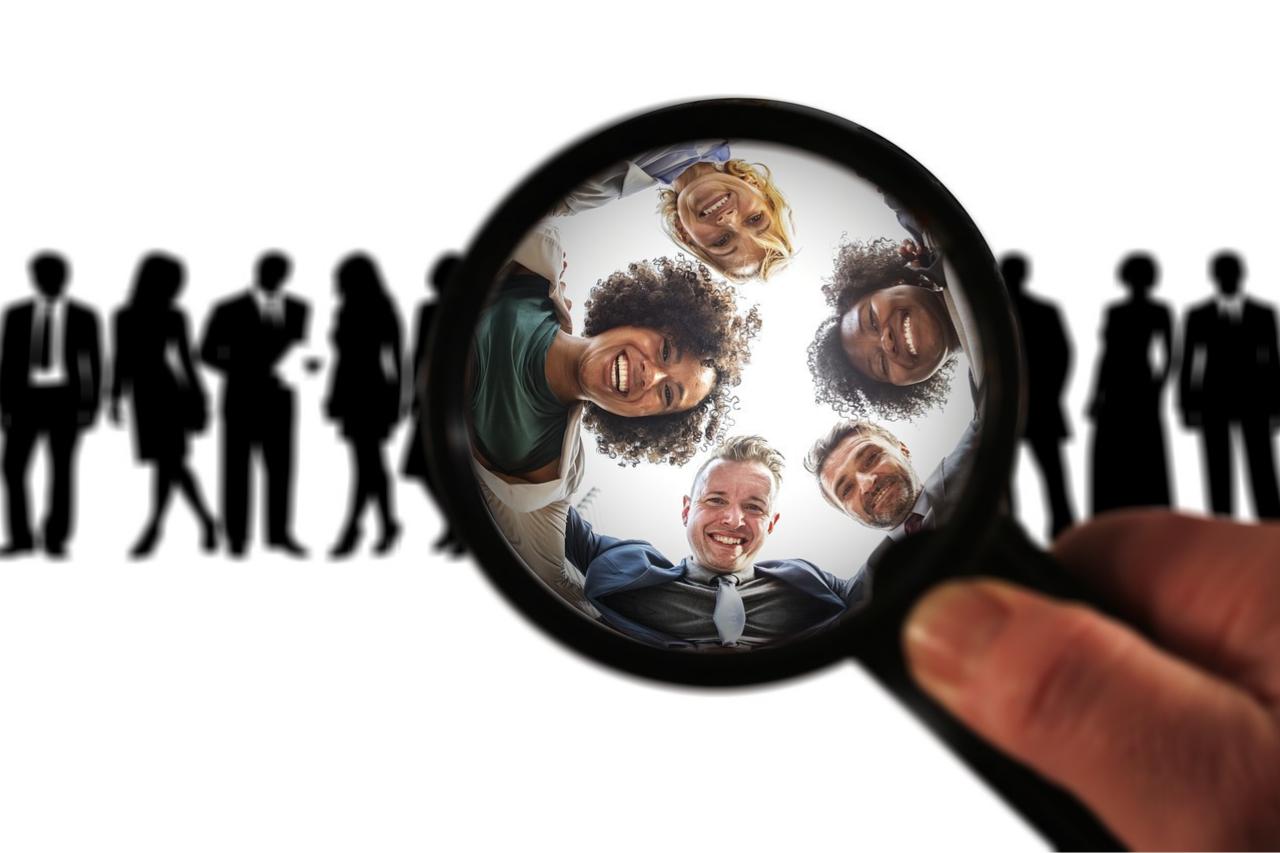 Hvordan velge- og bruke CRM i salg