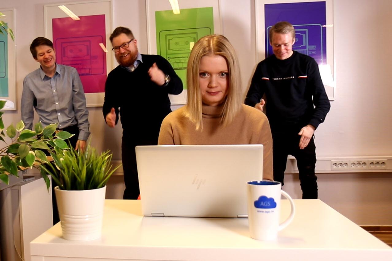 Hvordan gjøre bakgrunnen uskarp i Microsoft Teams møter