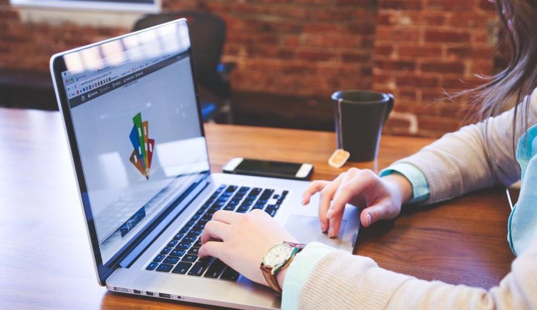 Hvorfor og hvordan blogge for selskapet? Hva skal jeg skrive om?